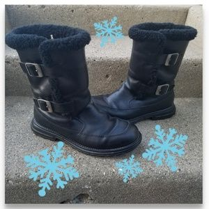 UGG Larkspur black winter boots 5418